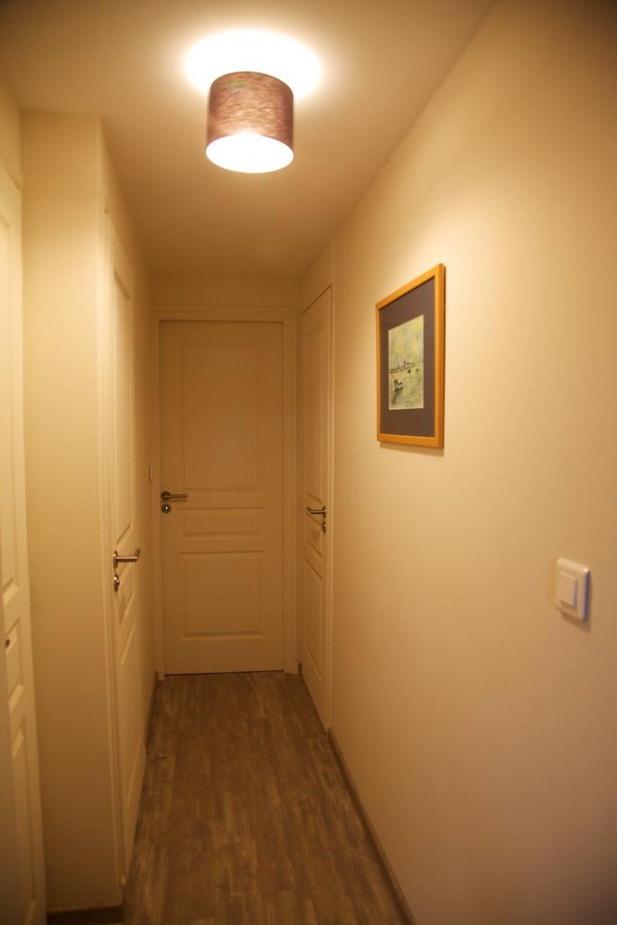 couloir étage 1.jpg