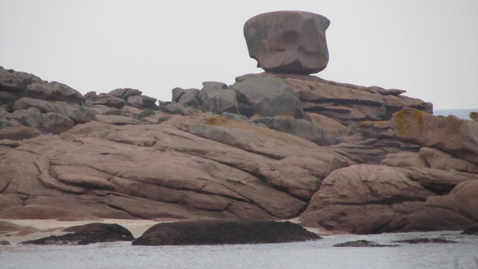 le dé de la presqu'île Renote