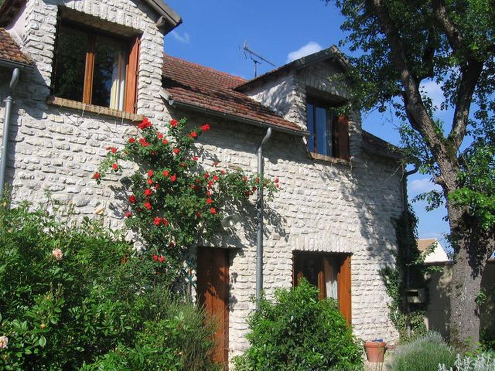 photo façade maison 001.jpg