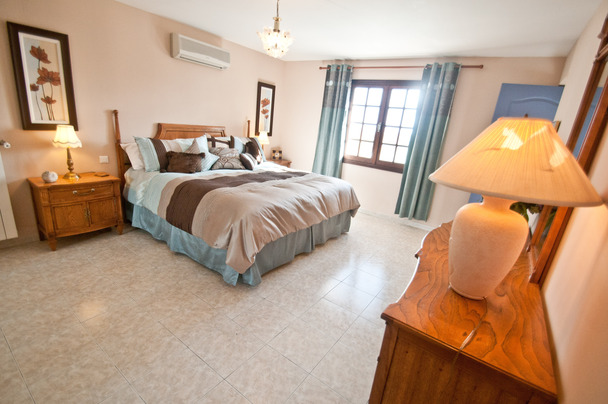 chambre lit king-2.jpg