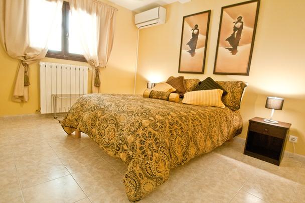 chambre jaune-2.jpg