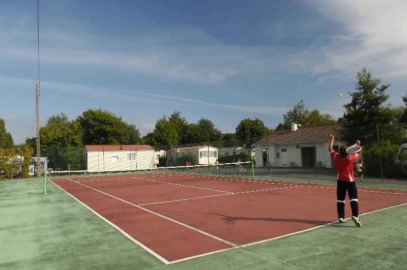 Camping l'Abri des Pins, tennis