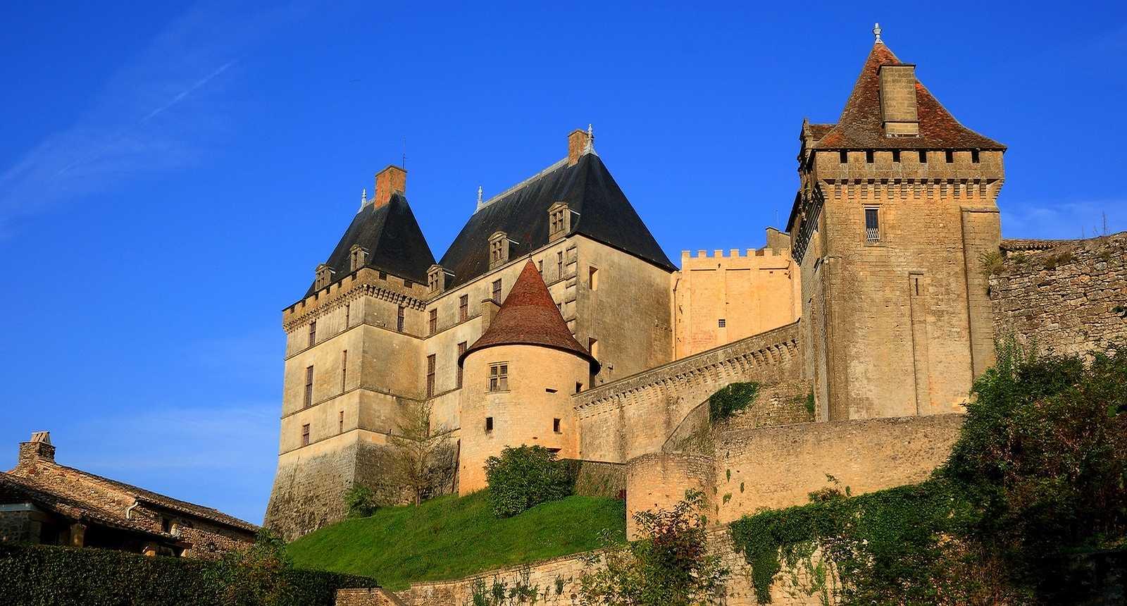Château de Biron (1)