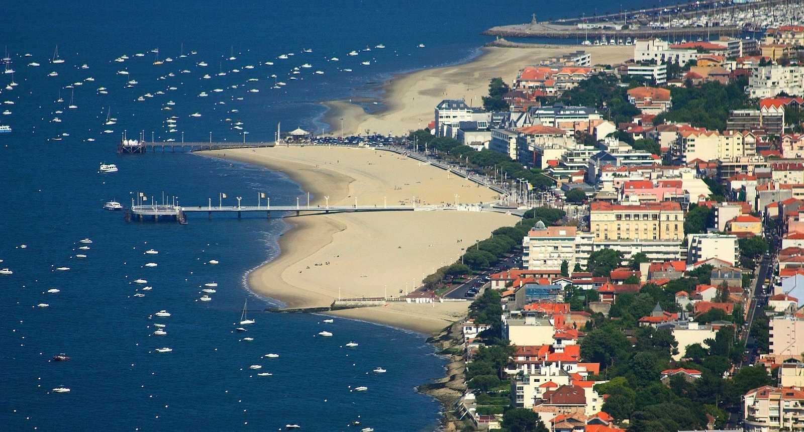 Vue aérienne du port d'Arcachon