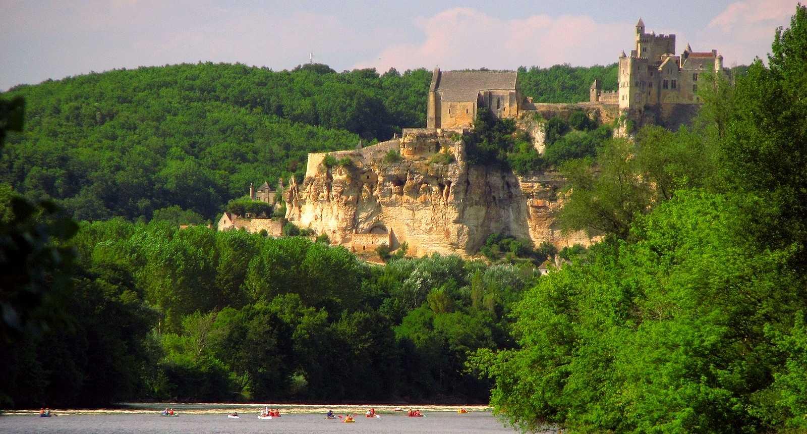 Image : Office de Tourisme** de Beynac-et-cazenac