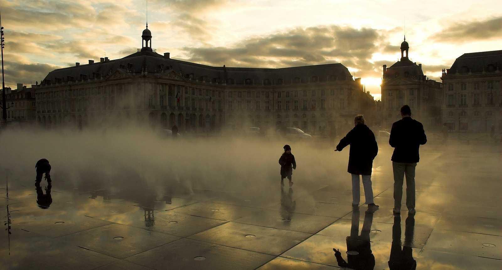 Miroir d'eau sur la Place de la Bourse de Bordeaux