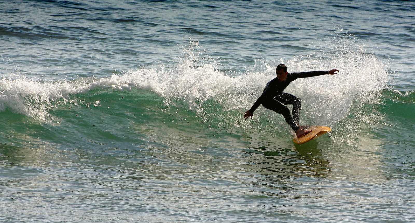 Surfeur à Bidart