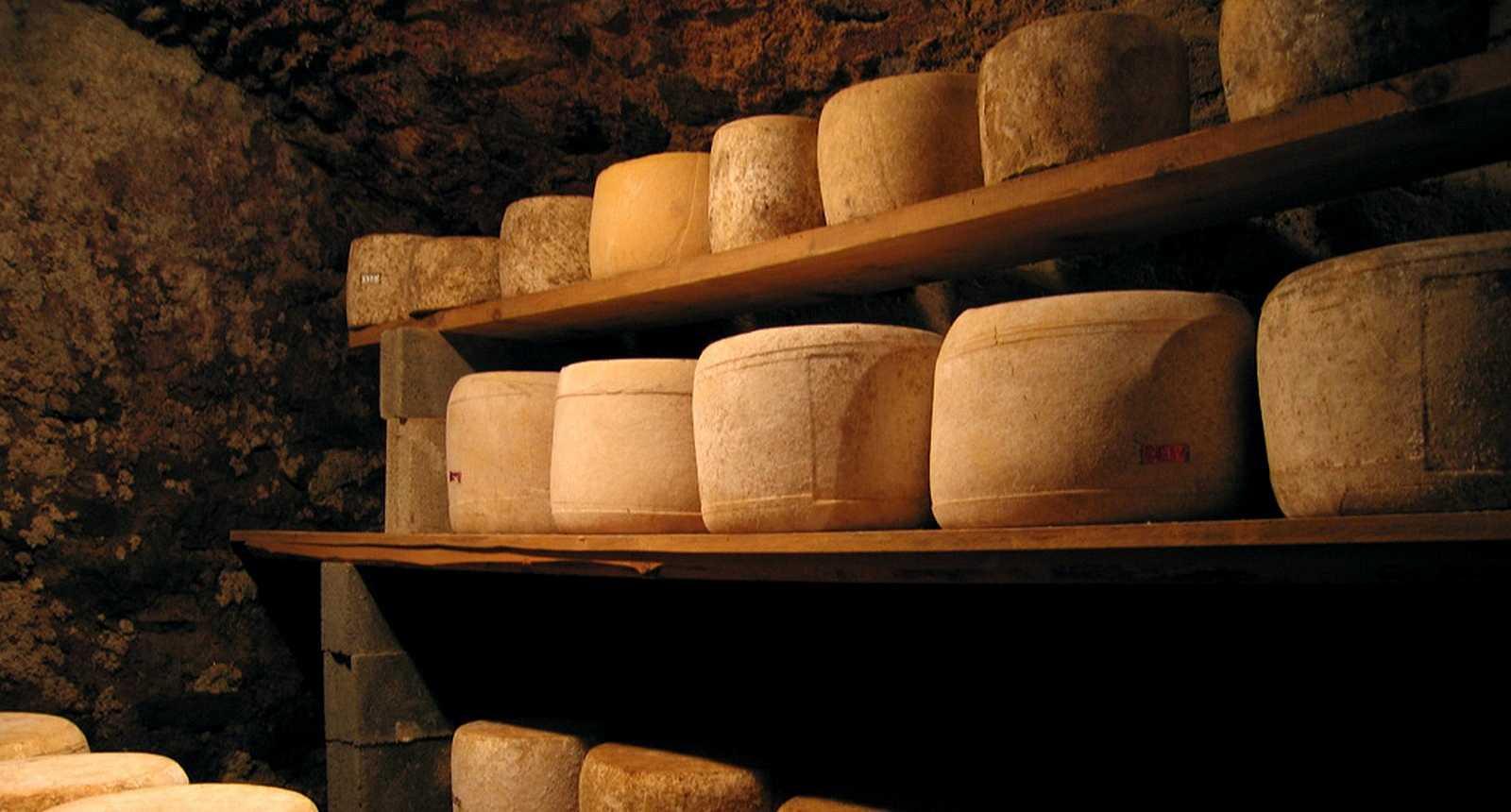Cave à fromages Salers, à Saint-Flour