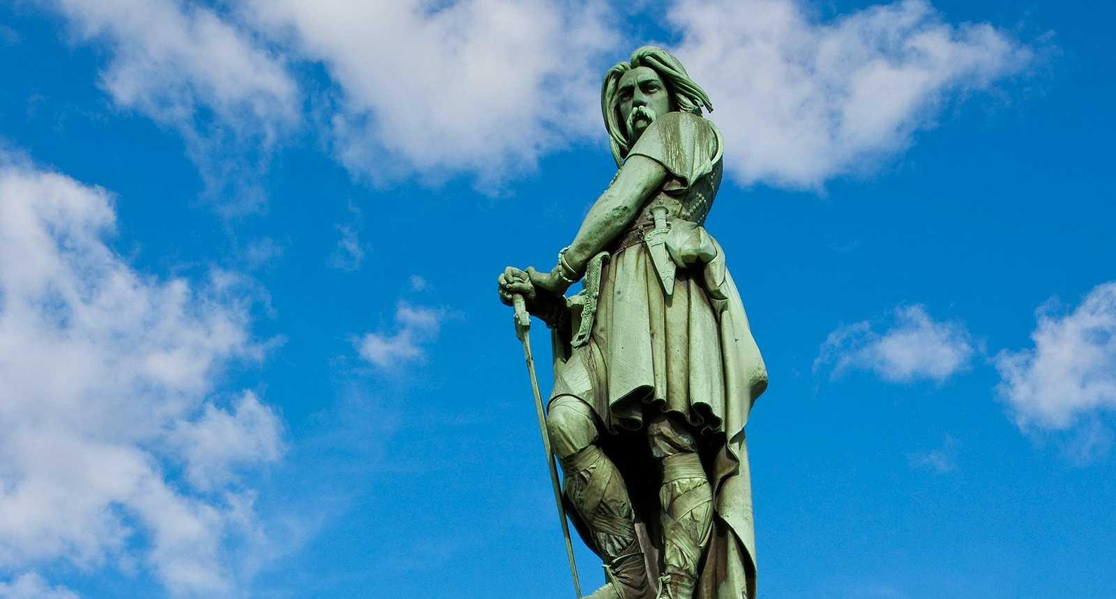 Statue de Vercingetorix sur le Mont-Auxois