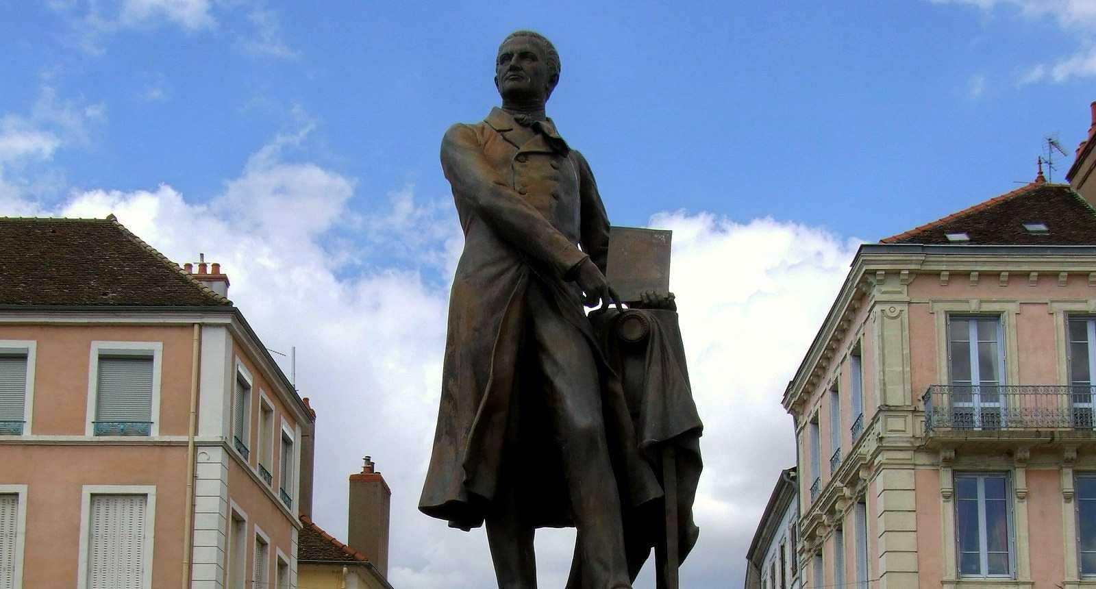 Statue de Nicephore Niepce à Chalon-sur-Saône