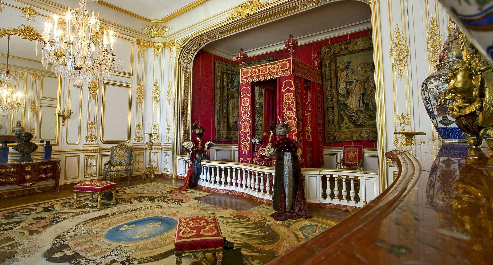 La Chambre de Louis XIV dans le Château de Chambord