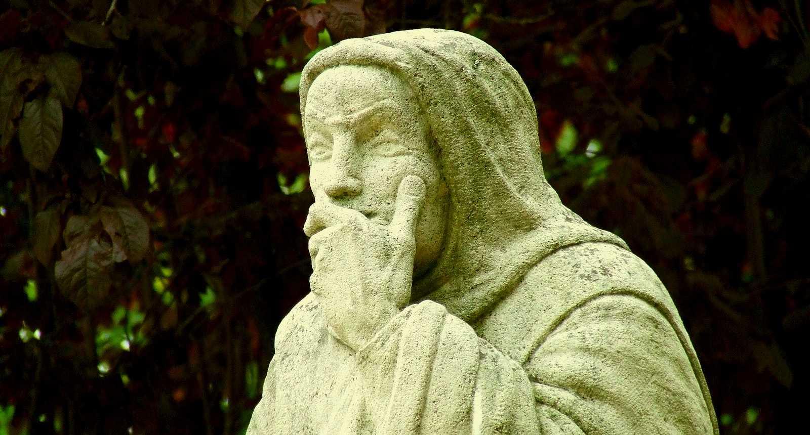La statue de Dom Perignon à Sainte-Menehould