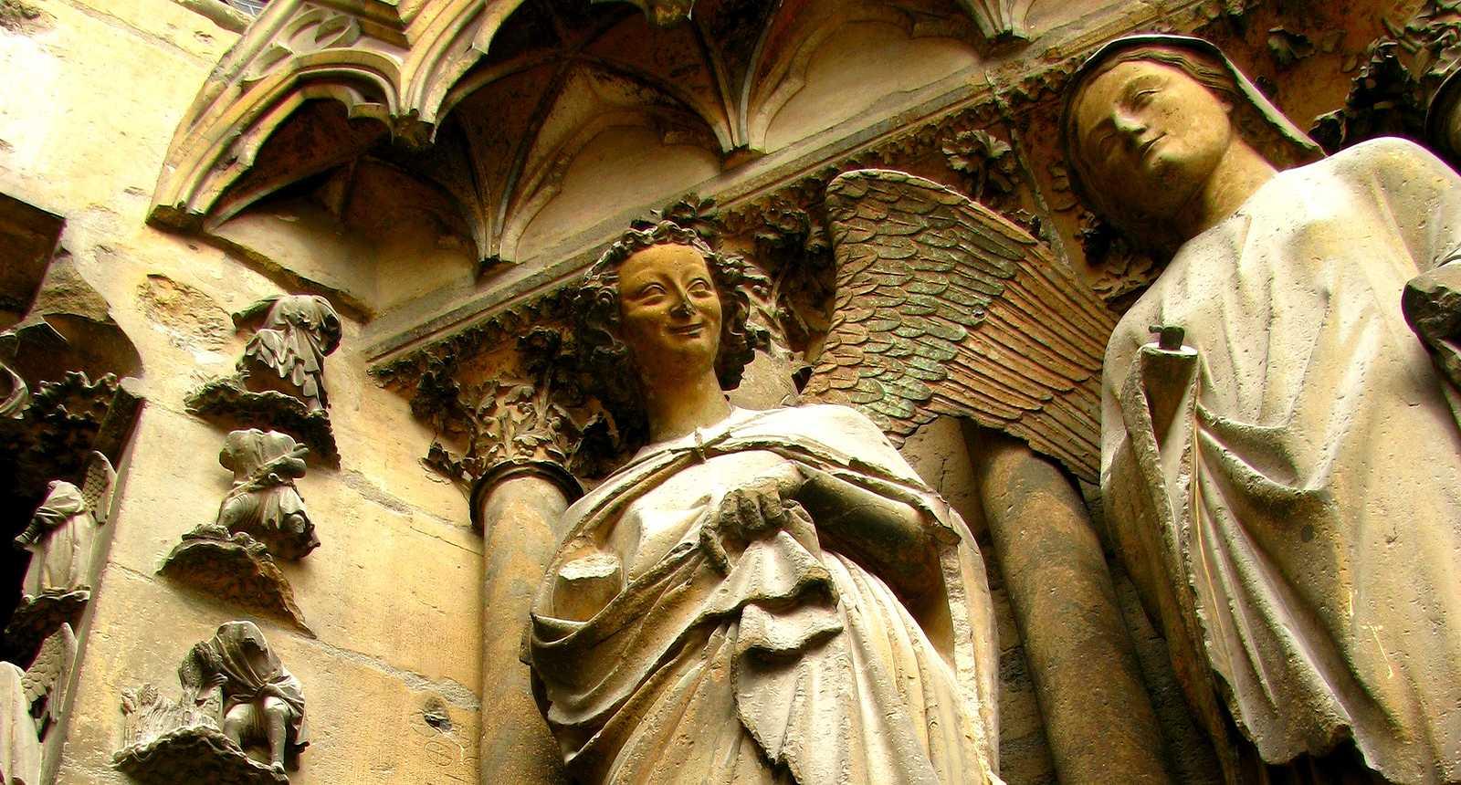 Façade de la Cathédrale Notre-Dame à Reims