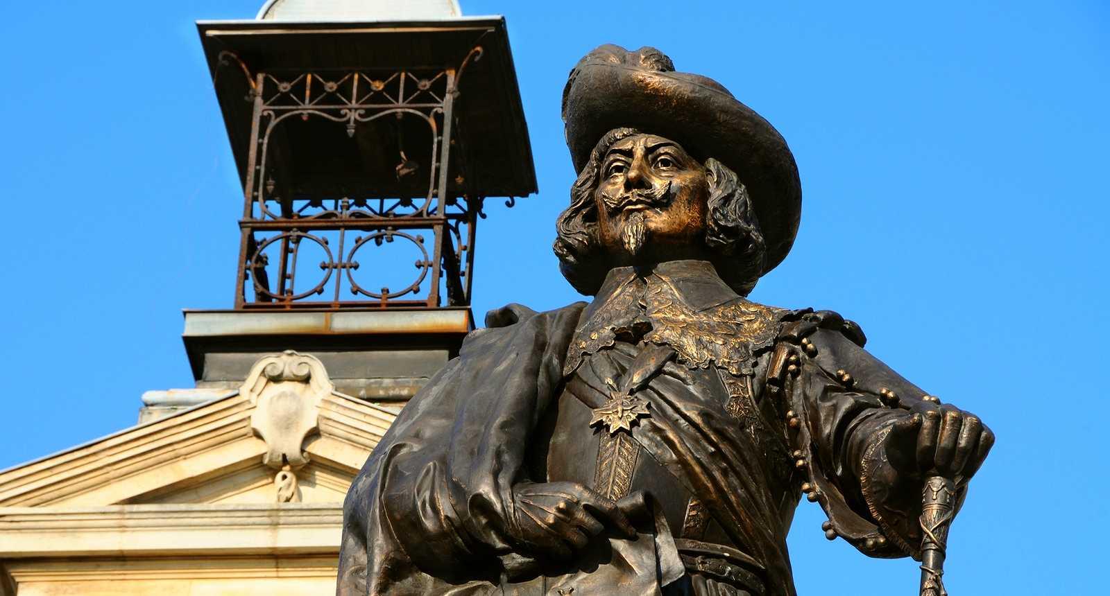 Statue de Charles de Gonzague à Charleville-Mézières