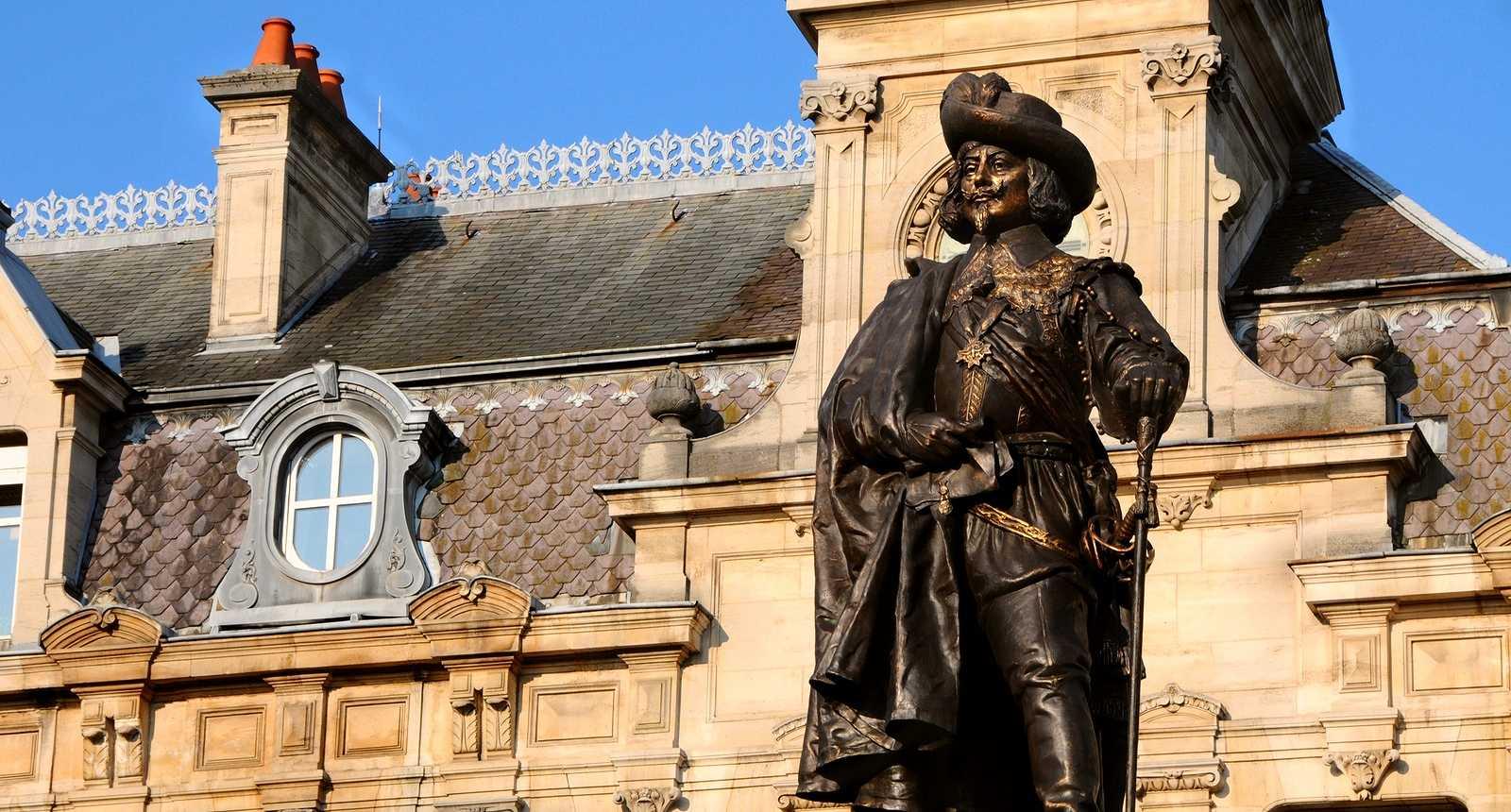 Statue de Charles de Gonzague à Charleville-Mézières (1)