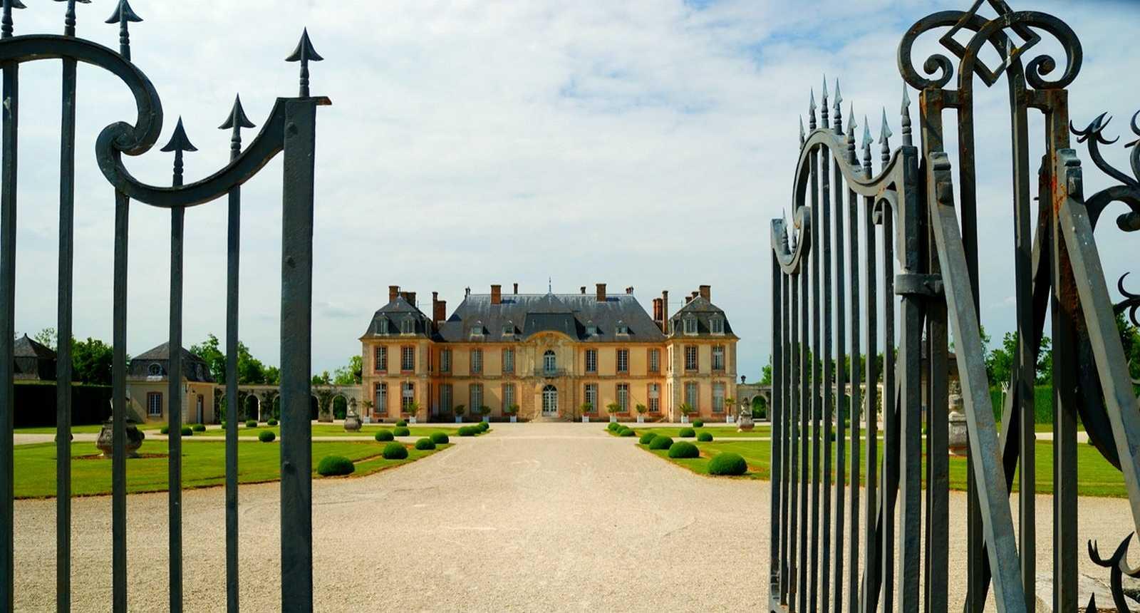 Le Château de la Motte-Tilly (1)