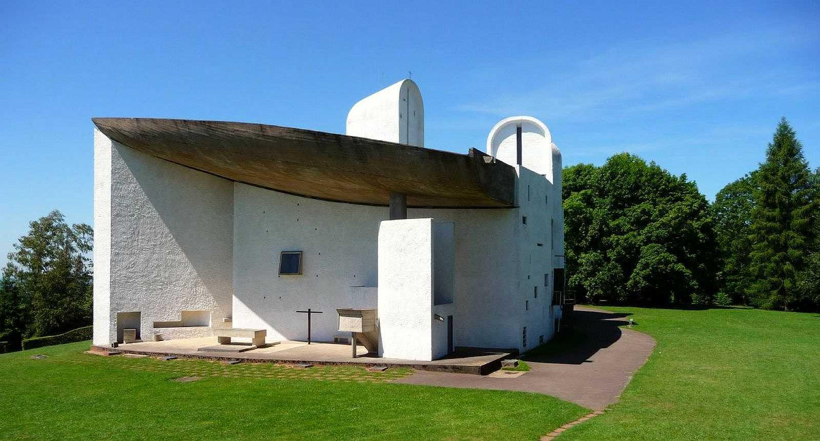 La Chapelle Notre-Dame-du-Haut par Le Corbusier, à Ronchamp (2)