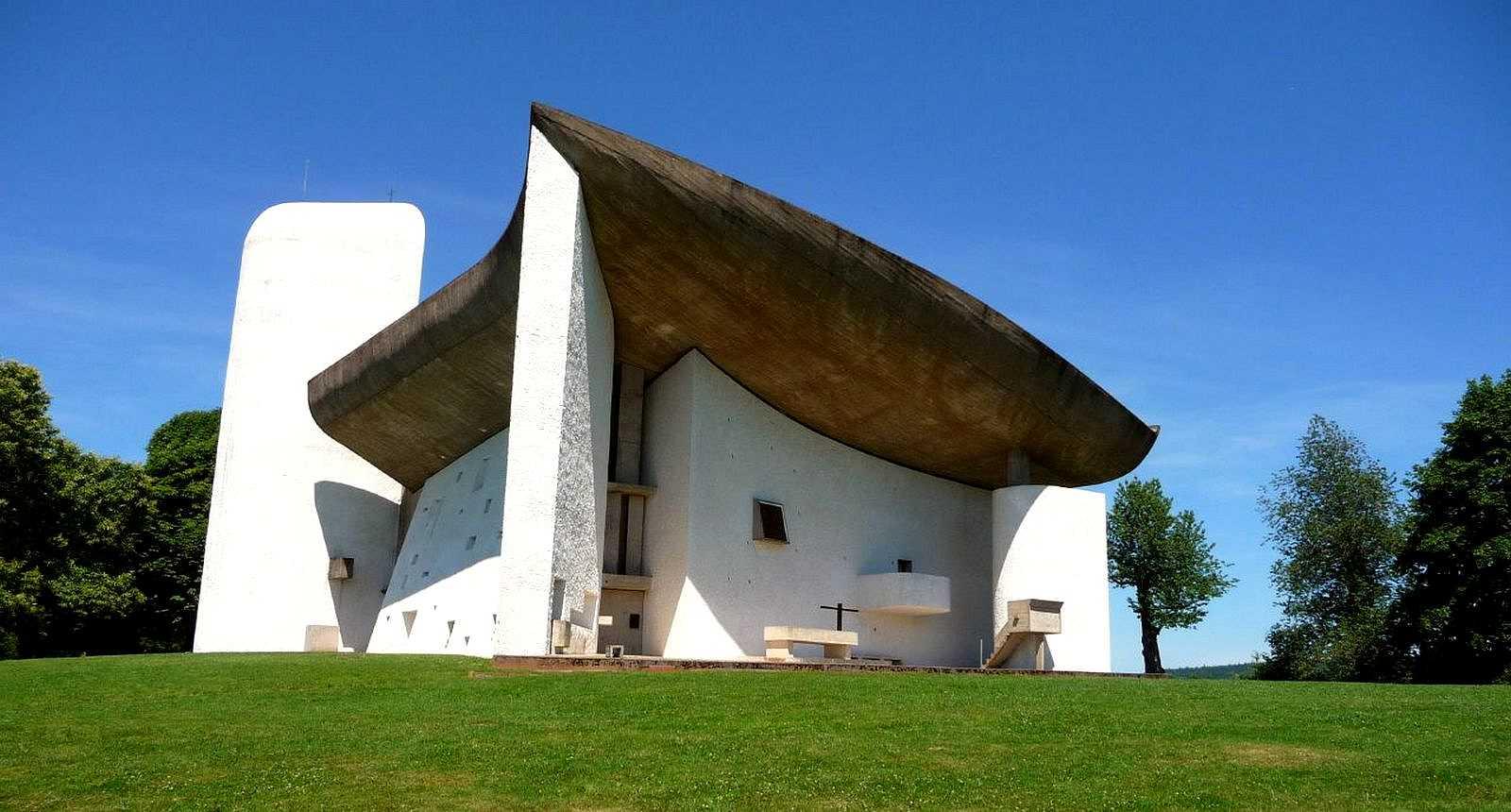 La Chapelle Notre-Dame-du-Haut par Le Corbusier, à Ronchamp (1)
