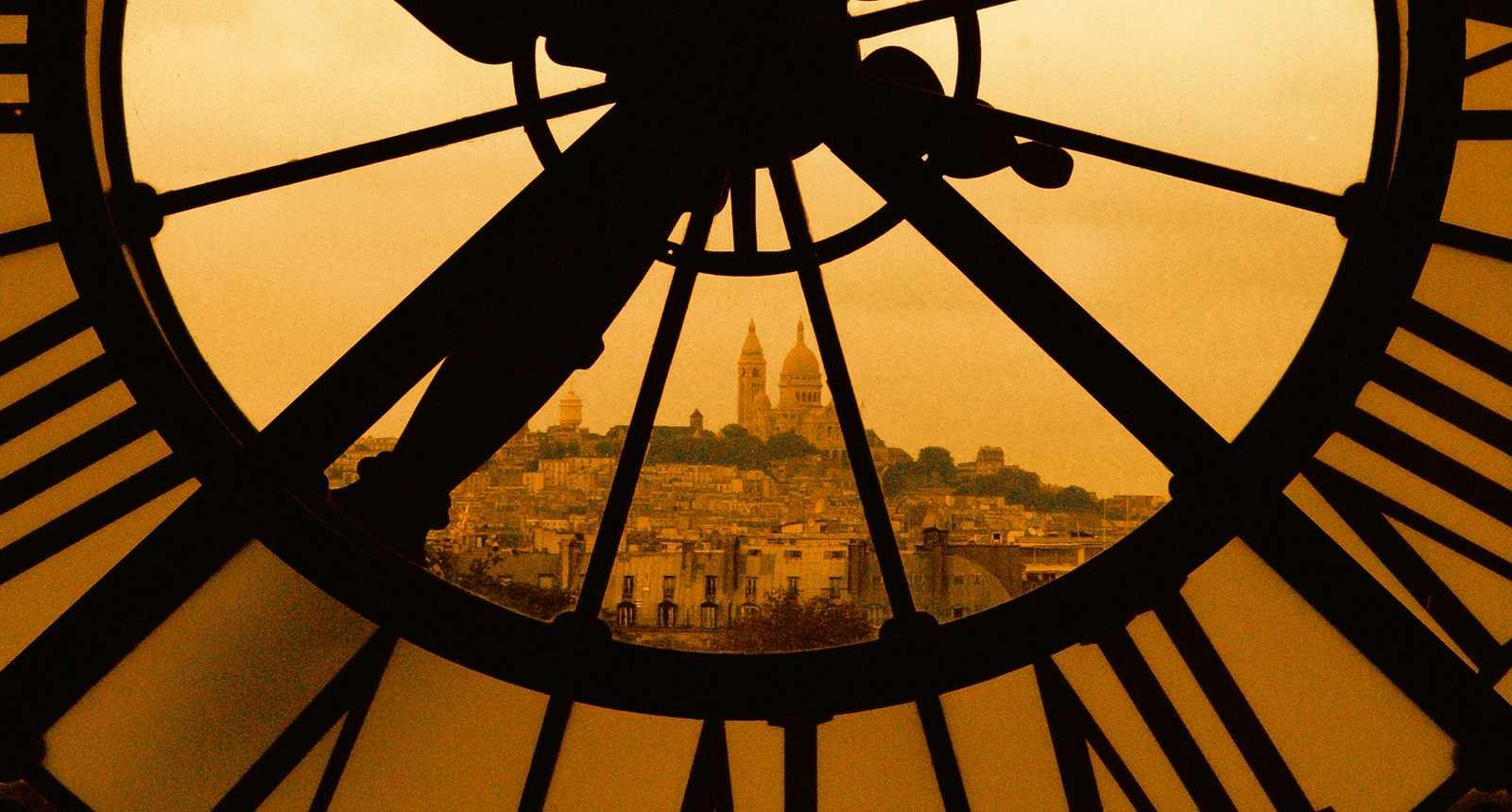 Le Sacré Coeur vu à travers l'Horloge du Musée d'Orsay