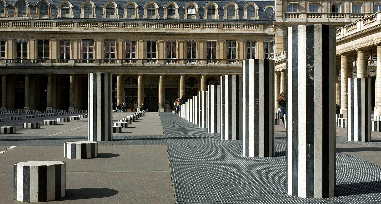 Les Colonnes de Buren au Jardin du Palais Royal