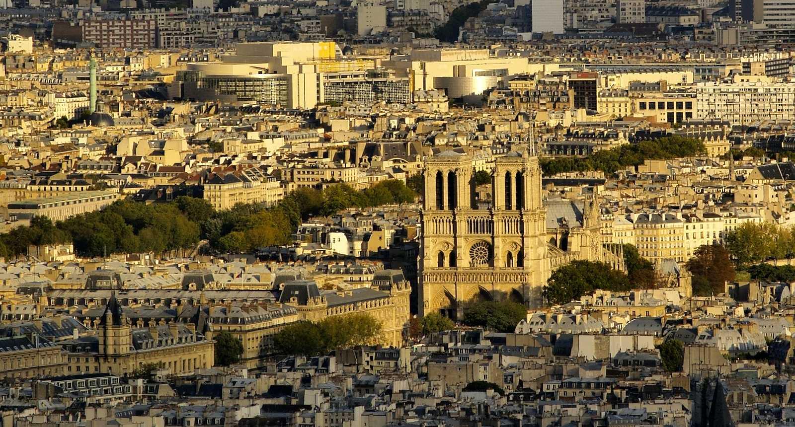 Vue sur Paris et Notre-Dame