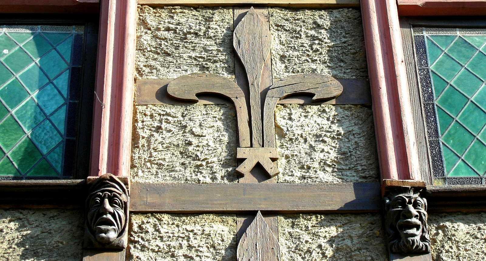 Détail d'une façade à Carcassonne