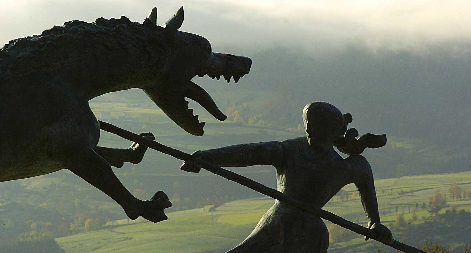 La statue de la Bête du Gévaudan à Marvejols