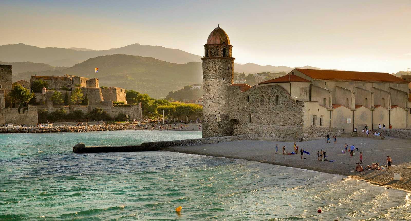 Le port et l'église Notre-Dame-des-Anges de Collioure (1)