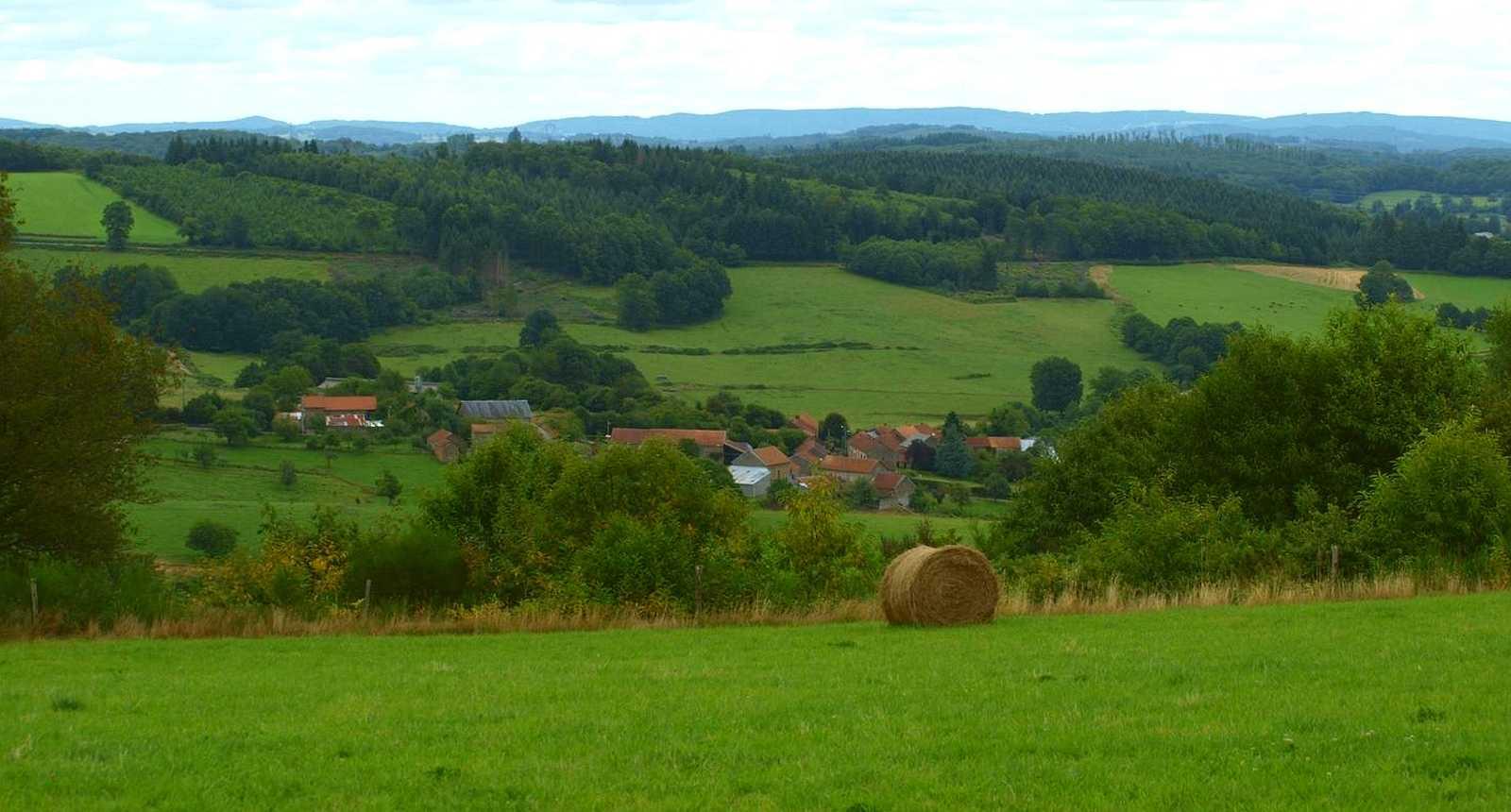 Vue vers le Châtaignaud depuis la commune de Châtelus-le-Marcheix