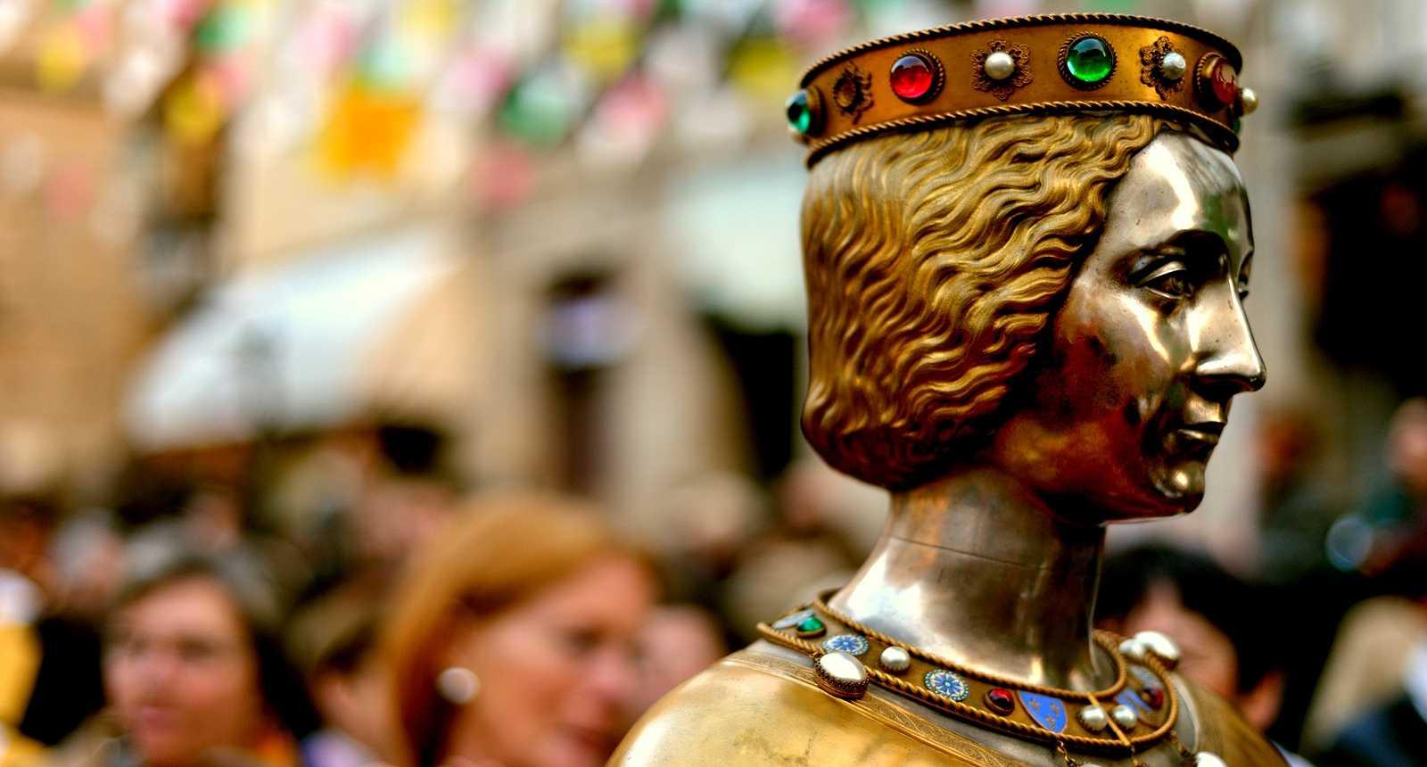 Buste en métal précieux renfermant les reliques sacrées aux Ostensions de Limoge