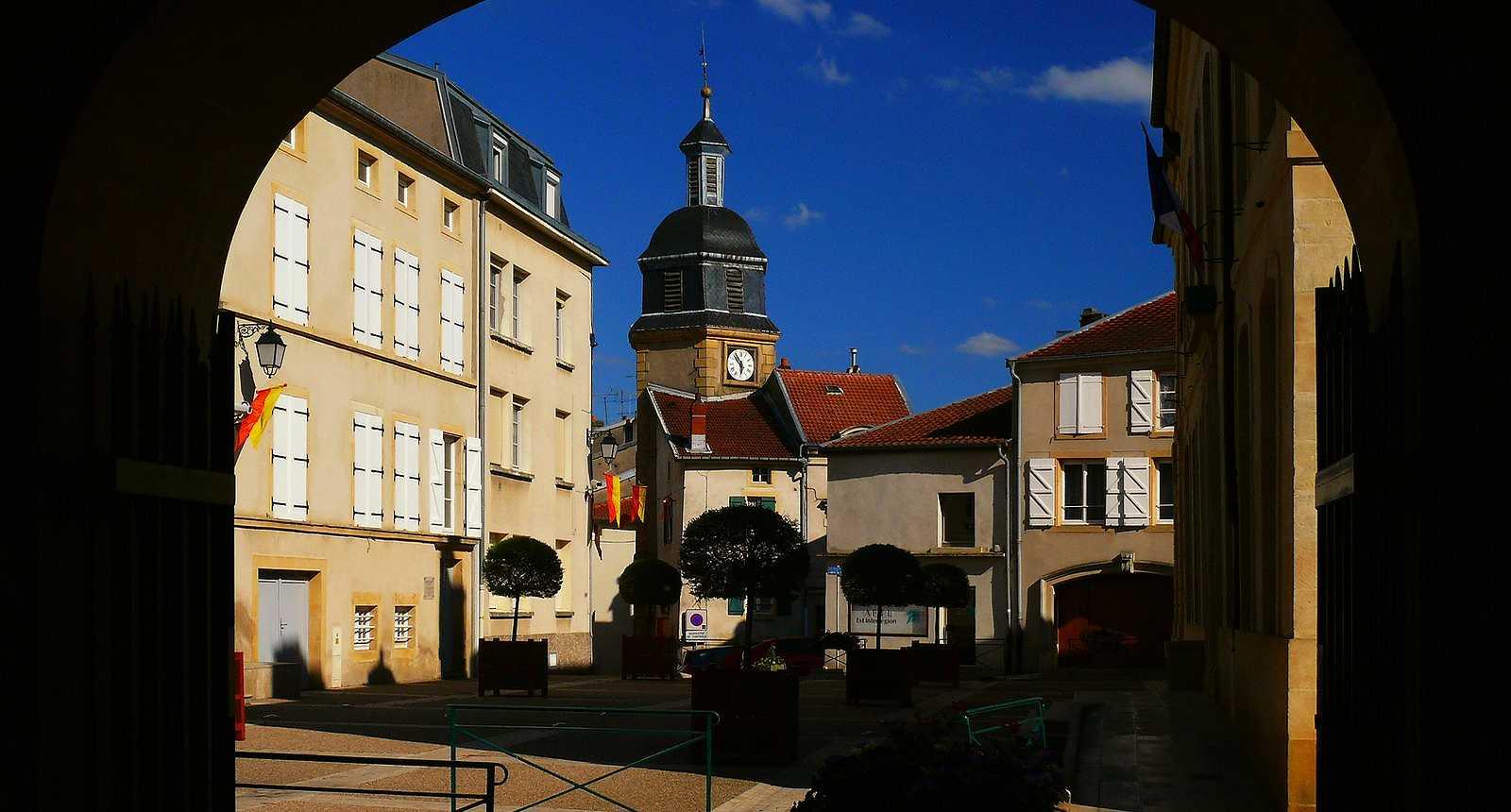 La ville de Briey et son beffroi