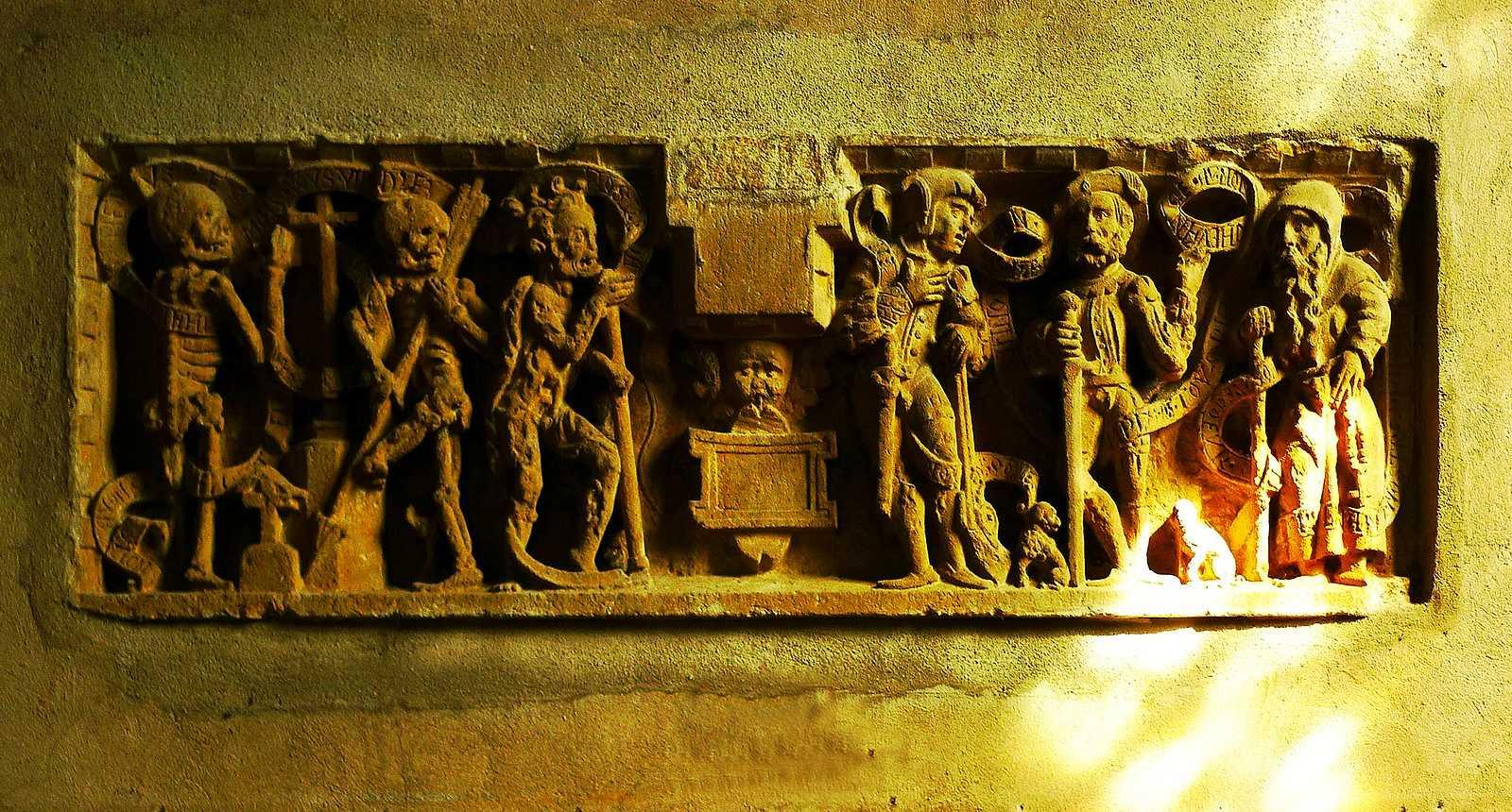 """Frise """"les trois morts et les trois vifs"""" de l'église Saint-Gengoult à Briey"""