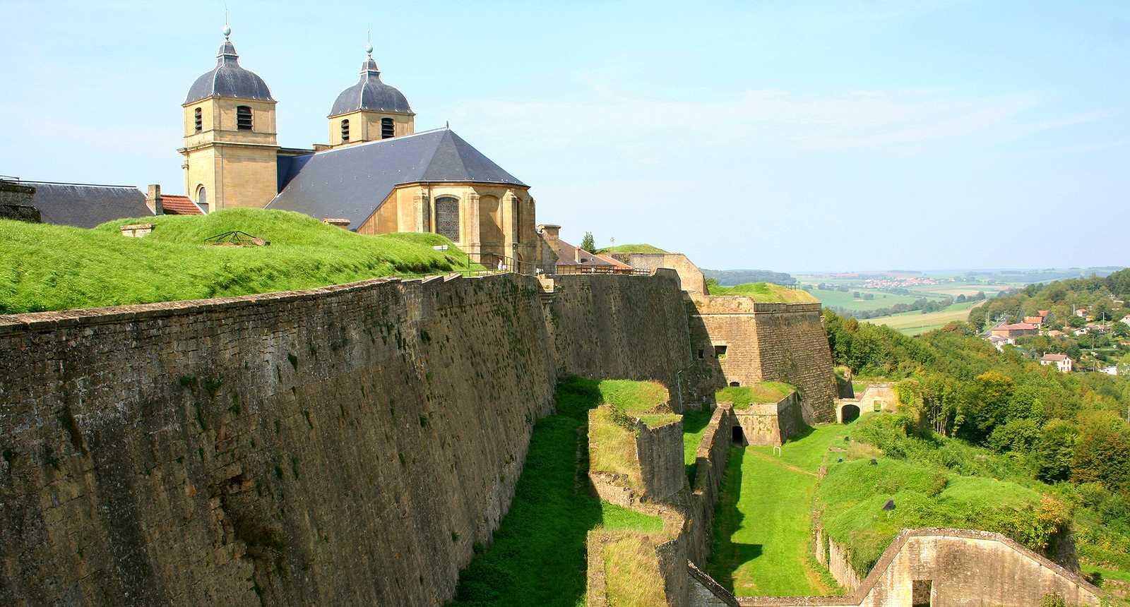 Les fortifications Vauban et l'église Saint-Martin de Montmédy