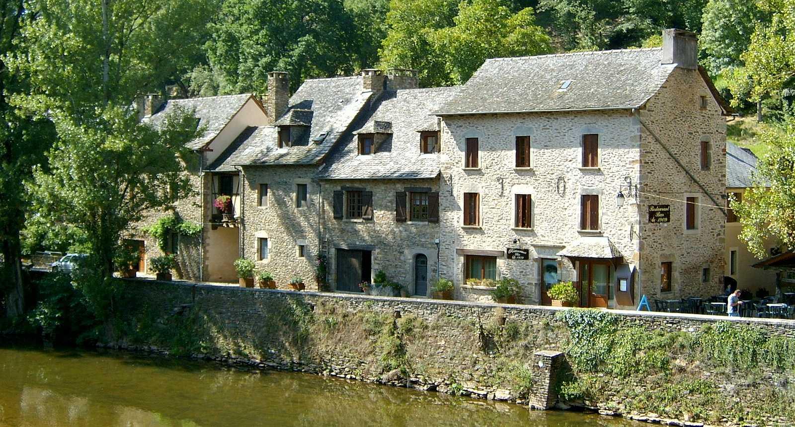 Le village typique de Belcastel