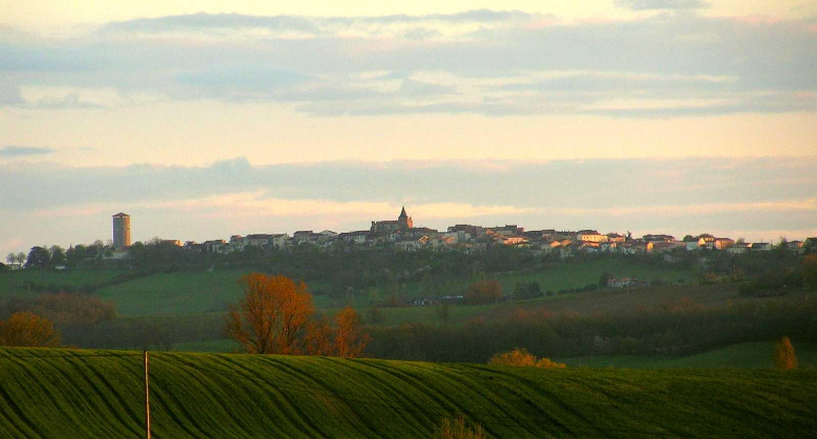 Panorama sur le village de Montastruc