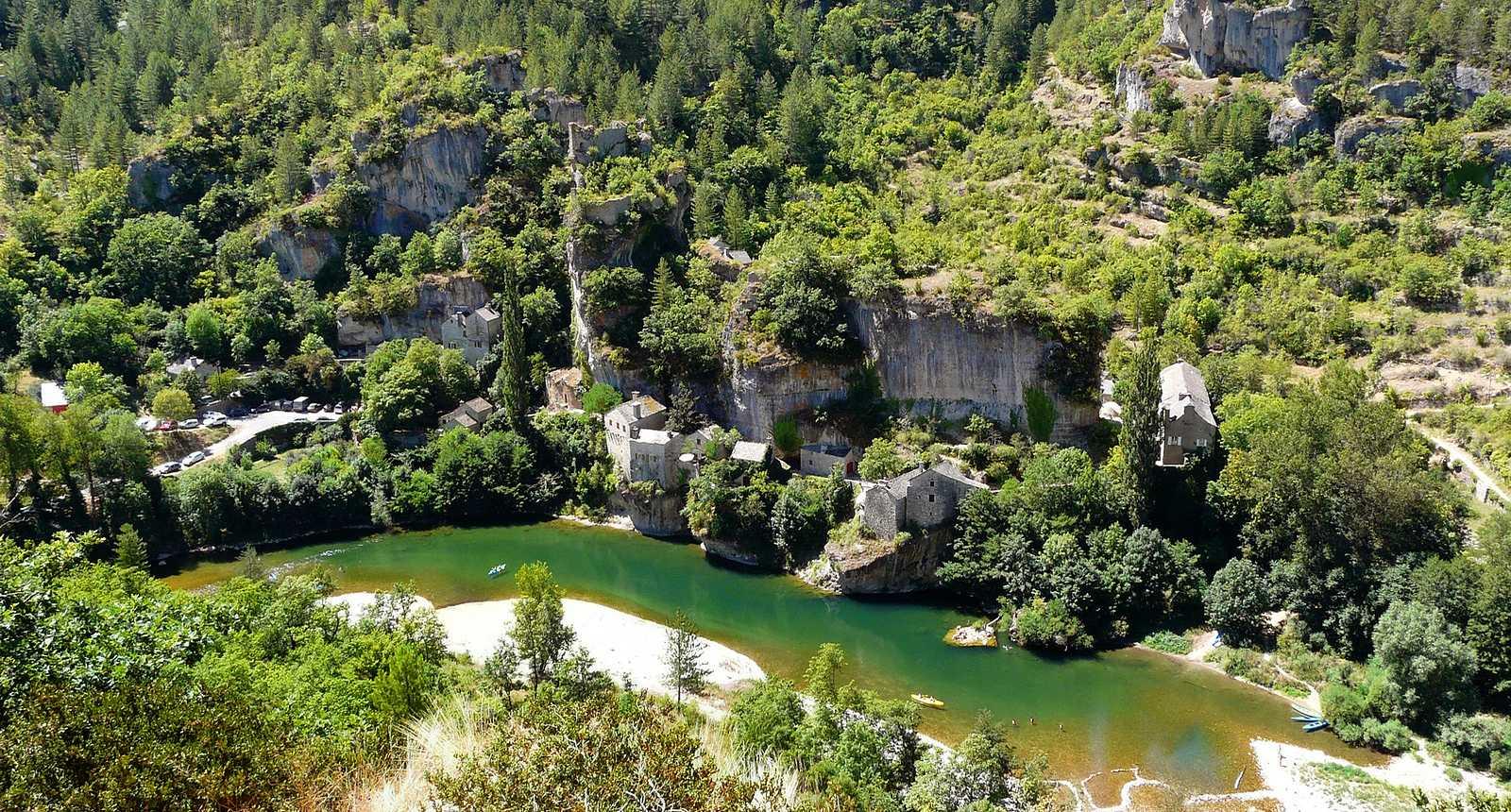 Le village troglodytique de Castelbouc, dans les Gorges du Tarn