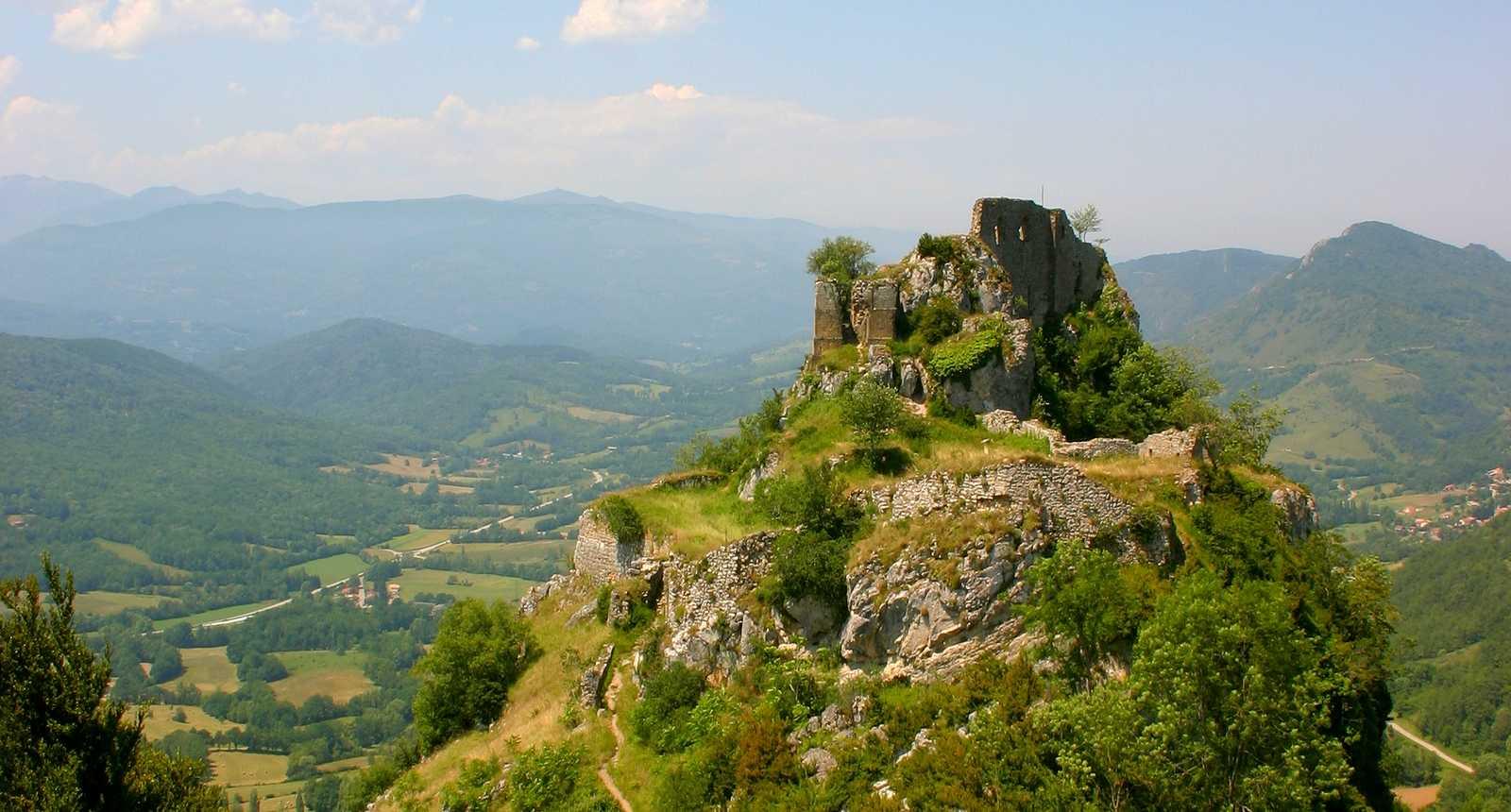 For t de sapins de belesta 09 ari ge dans les monts d 39 olmes - Office du tourisme de tarascon sur ariege ...