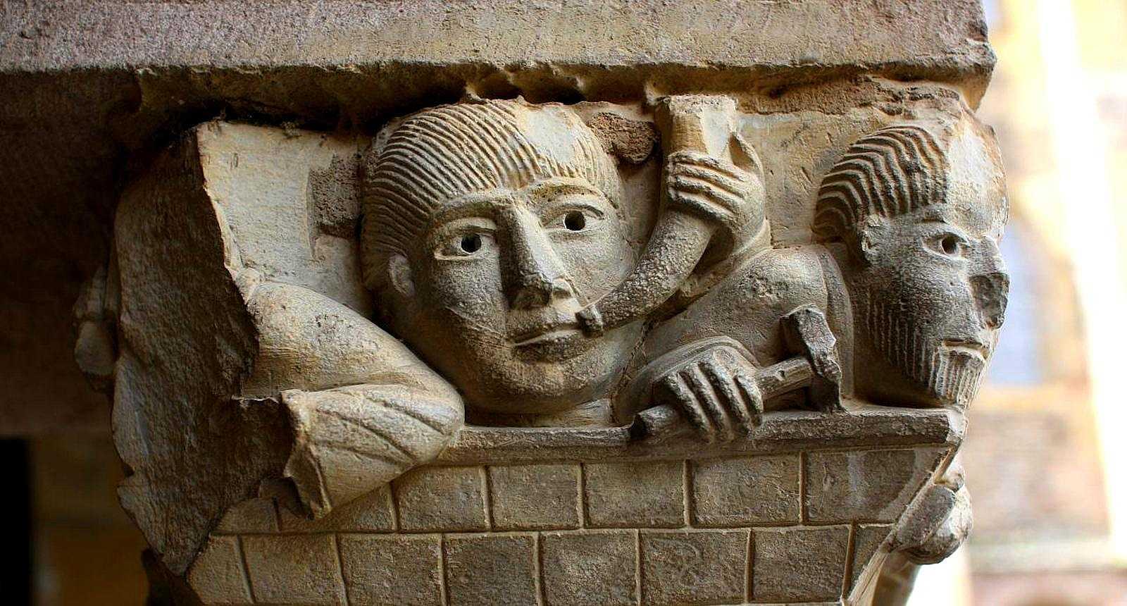 Chapiteau de l'église abbatiale de Sainte-Foy à Conques