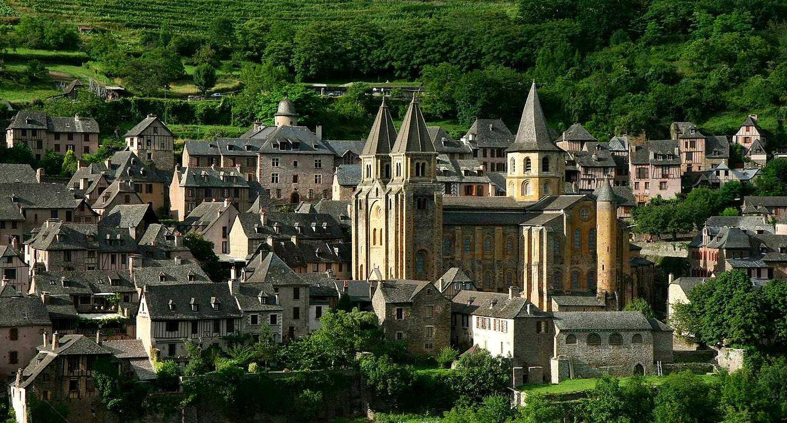 L'Abbaye de Conques, au coeur de la ville