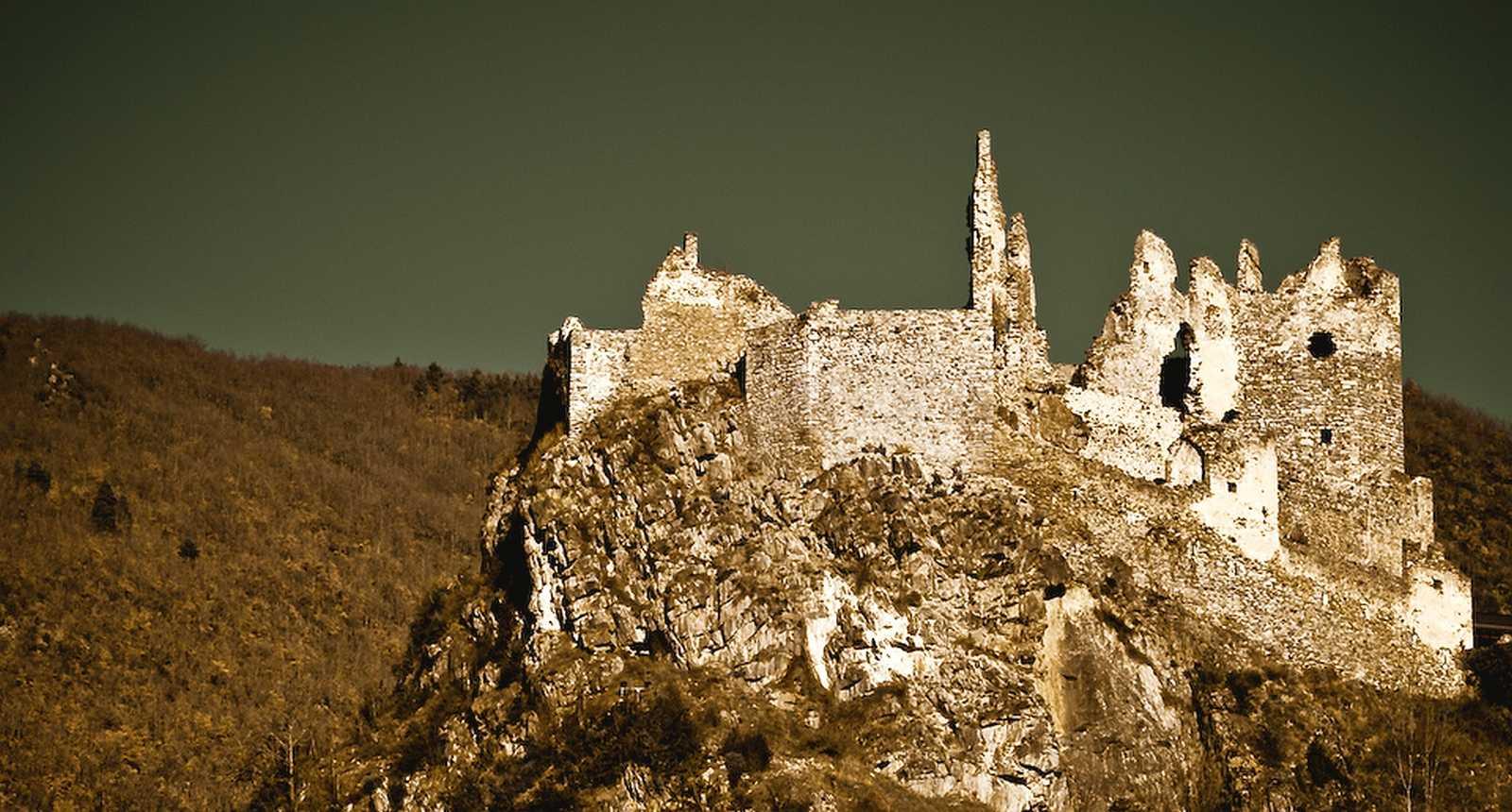 Les ruines du Château cathare d'Usson
