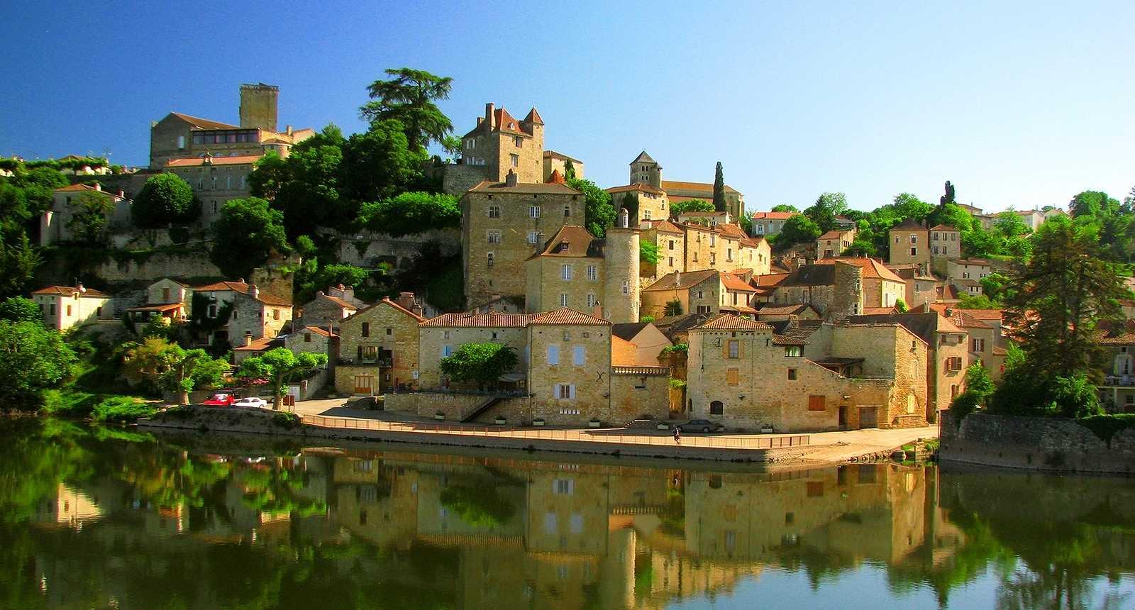 La ville de Puy-l'Evêque