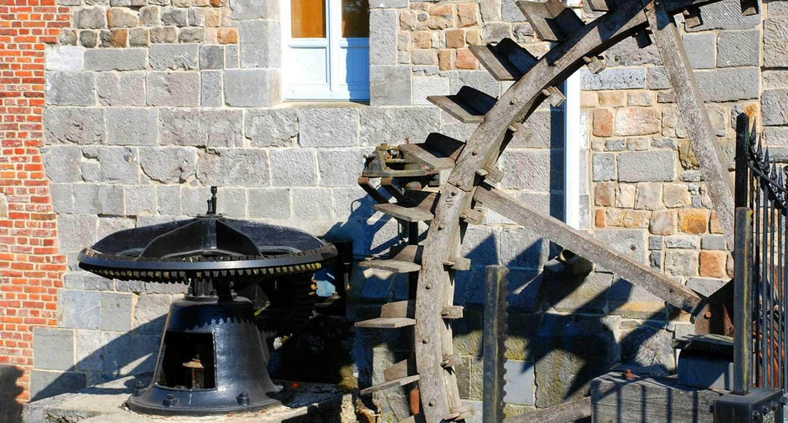 La roue du moulin à eau de Maroilles