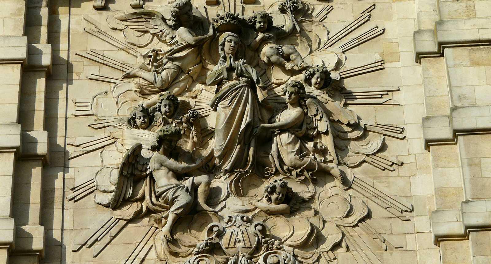 Fronton de la Chapelle des Jésuites à Cambrai