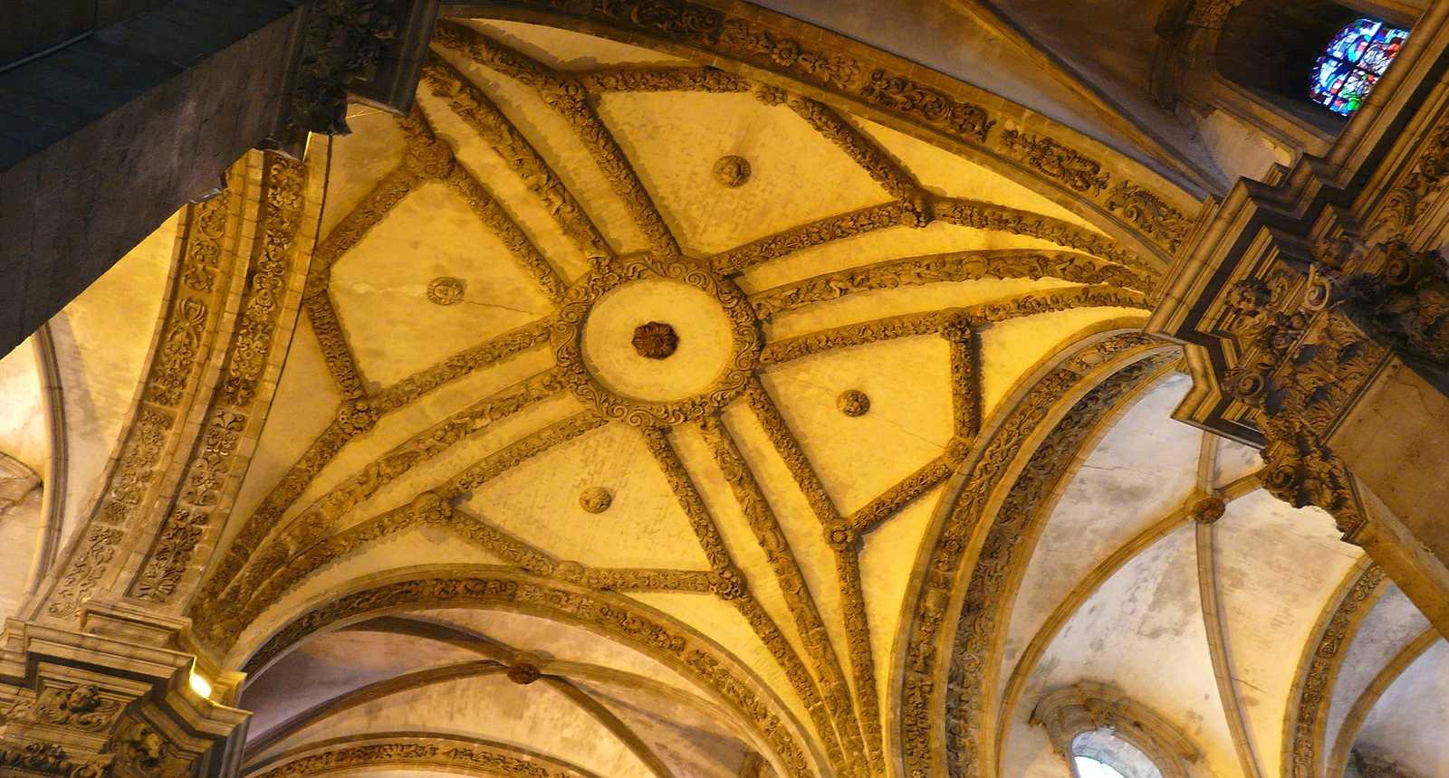 La voûte du transept de l'église Saint-Martin du Cateau-Cambrésis