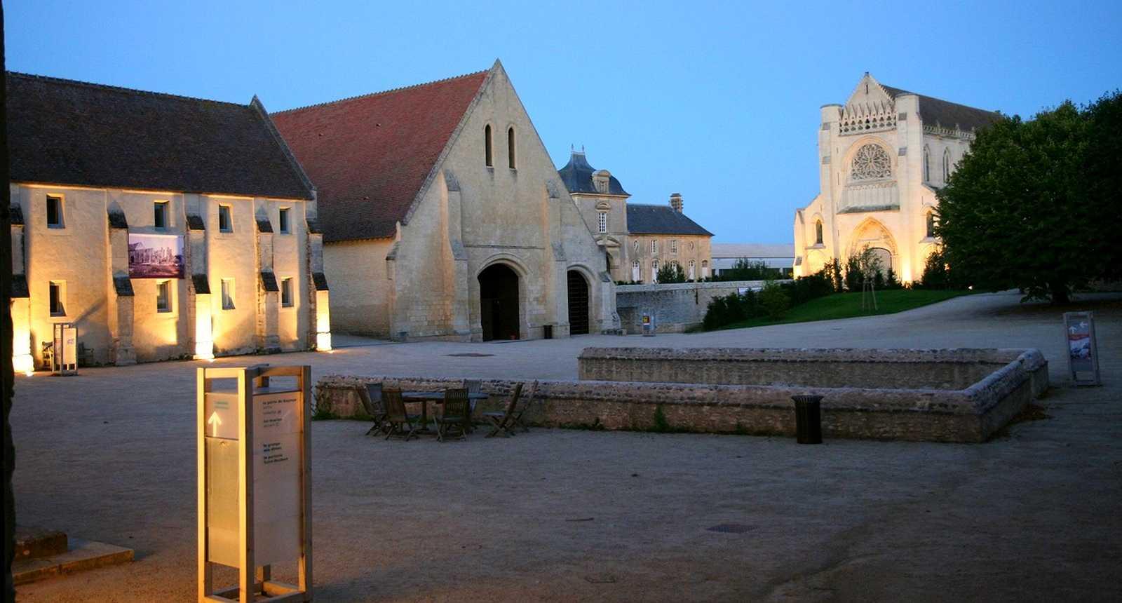 L'Abbaye Notre-Dame d'Ardenne à Saint-Germain-la-Blanche-Herbe