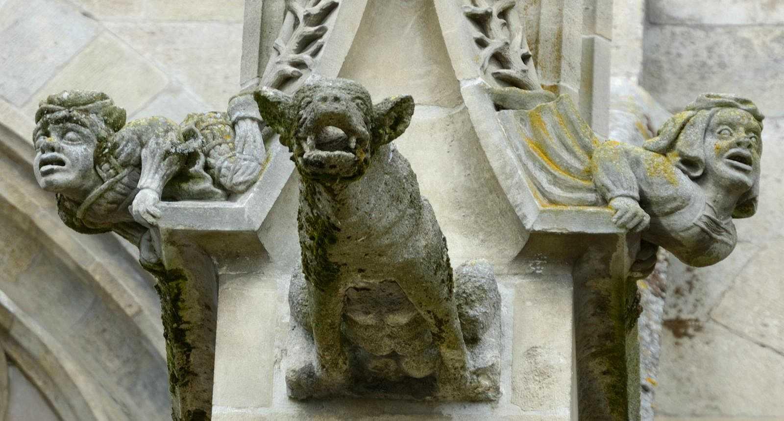 Gargouille de l'église Saint-Germain à Argentan