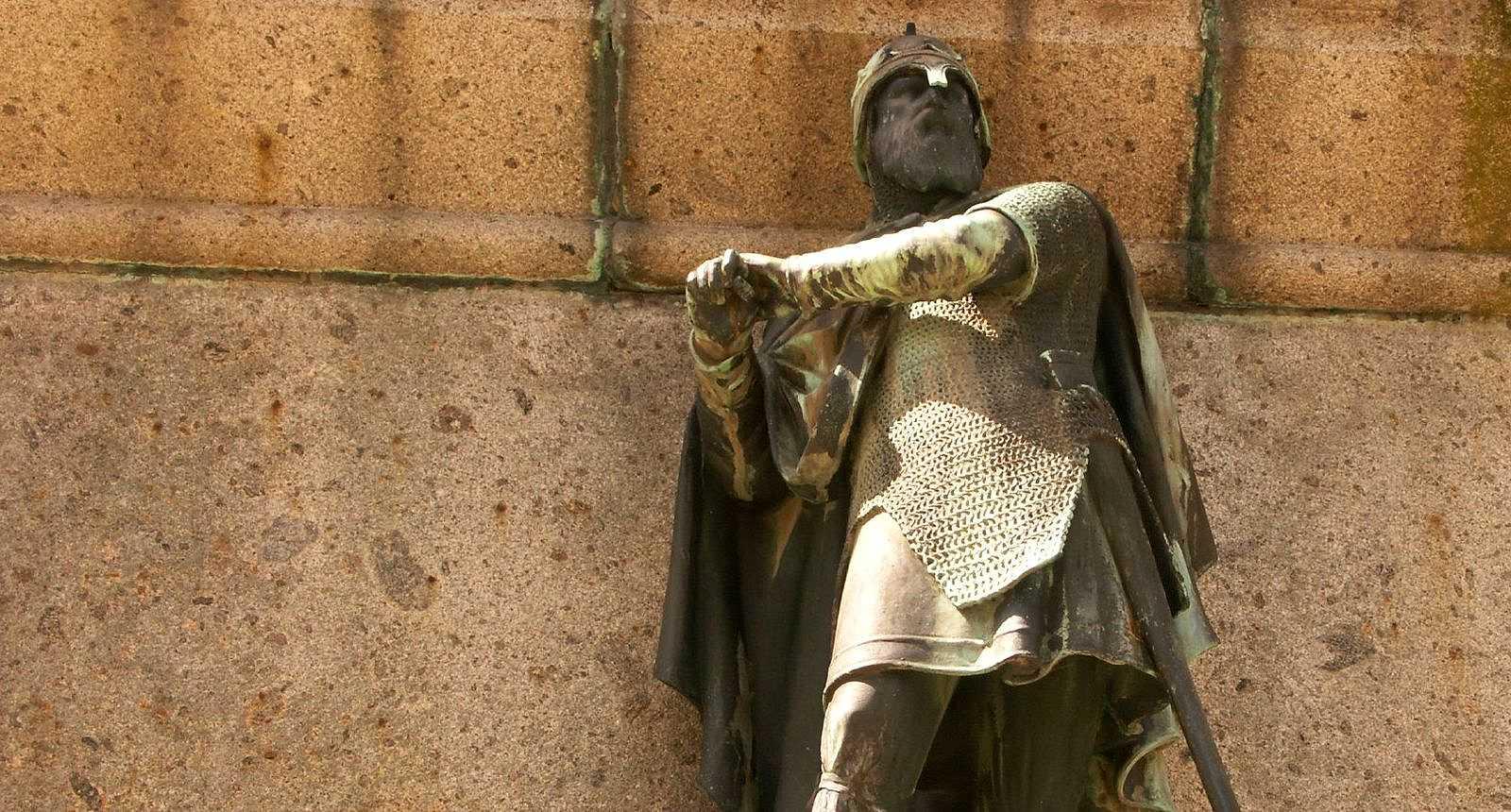 Statue de Guillaume Longue-Epée, Duc de Normandie, à Falaise
