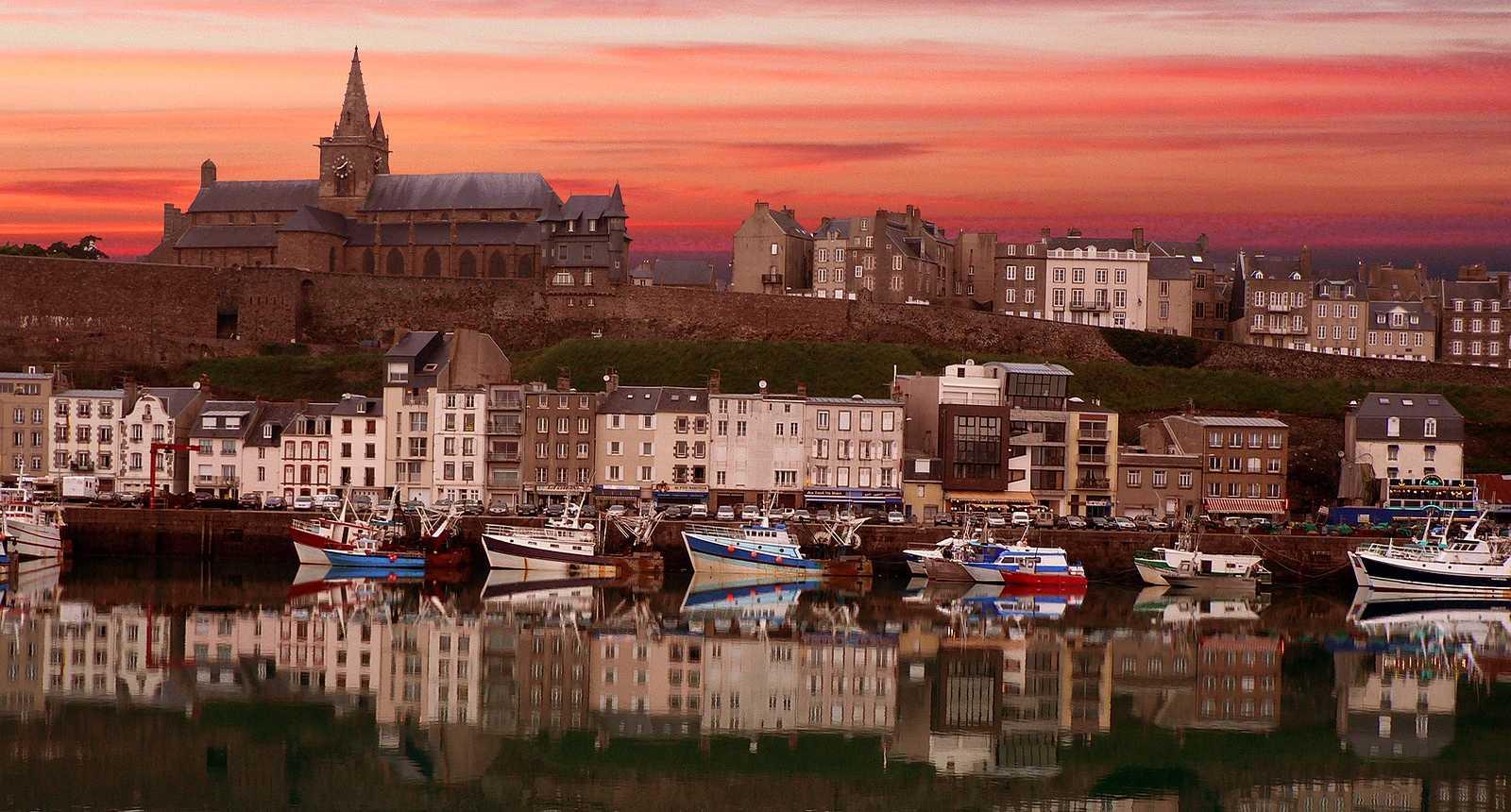 Guide de tourisme par commune granville 50 office de tourisme syndicat d 39 initiative - Office du tourisme de granville ...