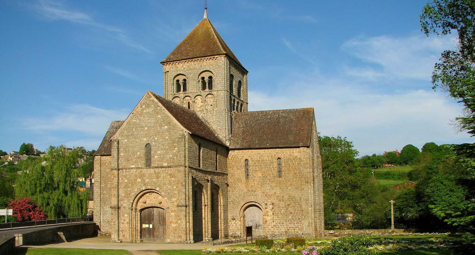 L'église Notre-Dame-sur-L'Eau de Domfront