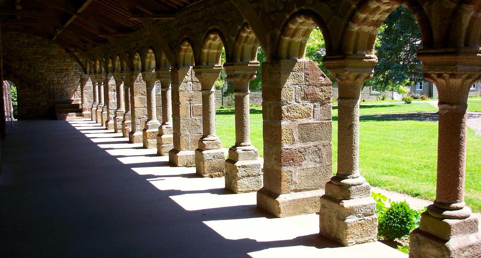 L'Abbaye Blanche de Mortain